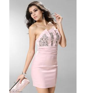 Vestido curto para casamento a noite na cor rosa