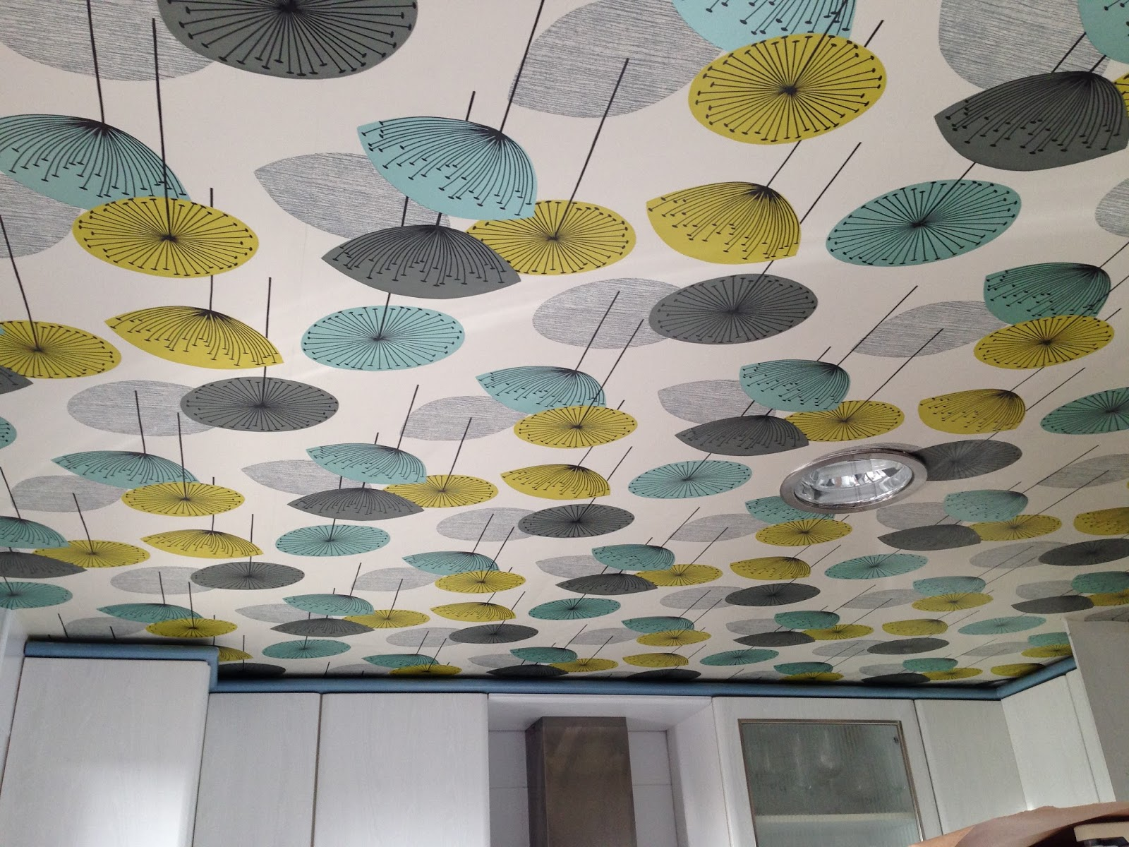 Manuel asenjo cocina papel pintado techo y paredes azulejos - Papel para techos ...