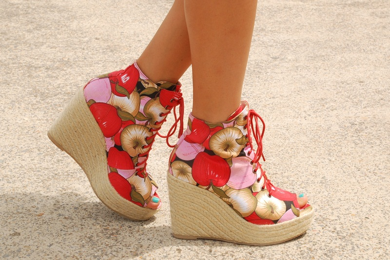 fashion, personal style, street style, Ego and Greed, Solestruck, apple print wedges