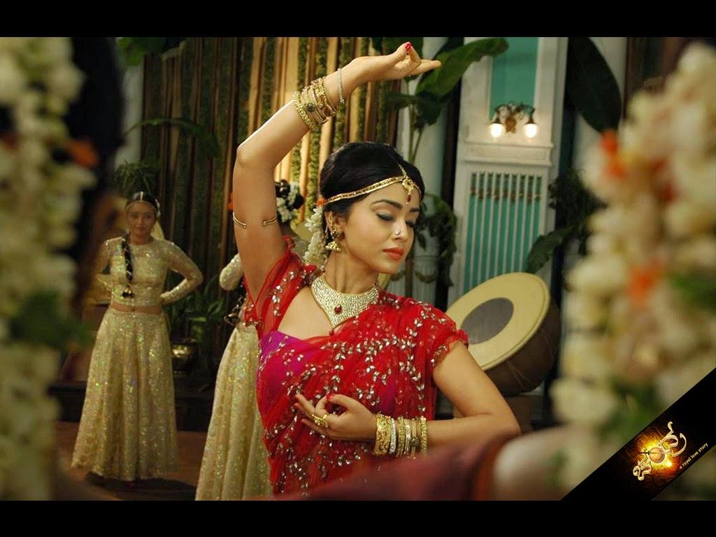 Sexiest Hot Pics of Shriya Saran for Desktop 1080p
