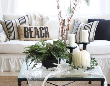 Stylish & Easy Halloween Decorations in Black and White