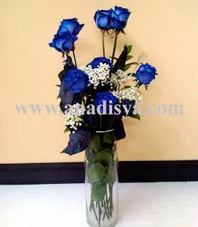 mawar biru