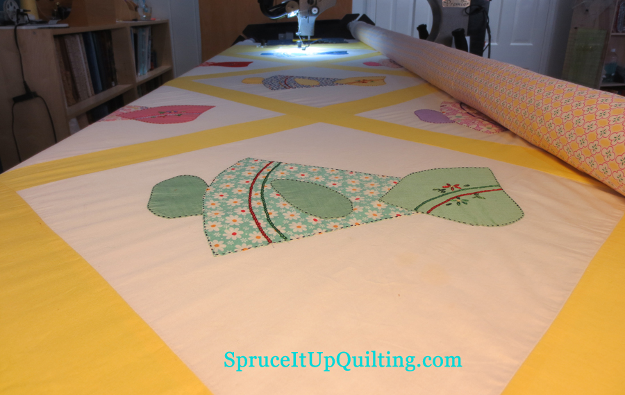 Spruce It Up Quilting: August 2013 : machine quilting around applique - Adamdwight.com