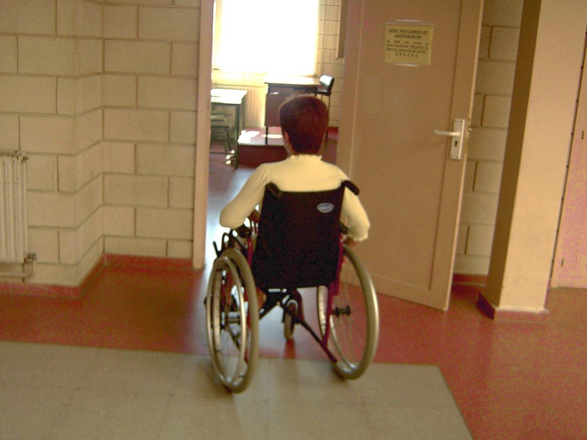 Necesidades educativas discapacidad mot rica estimulaci n cognitiva en ni os con par lisis - Silla de ruedas ninos ...