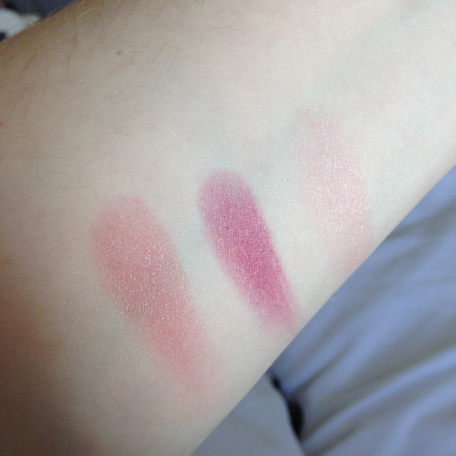Review & Swatch - Max Factor Creme Puff Blush. Brightowngirl