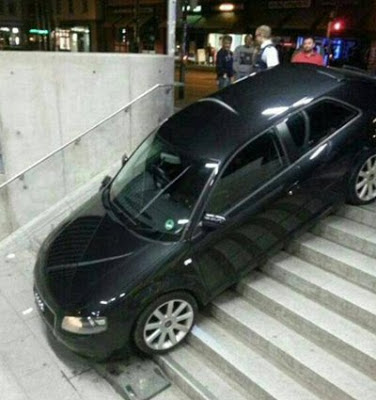 accidente-coche-aparcando-metro