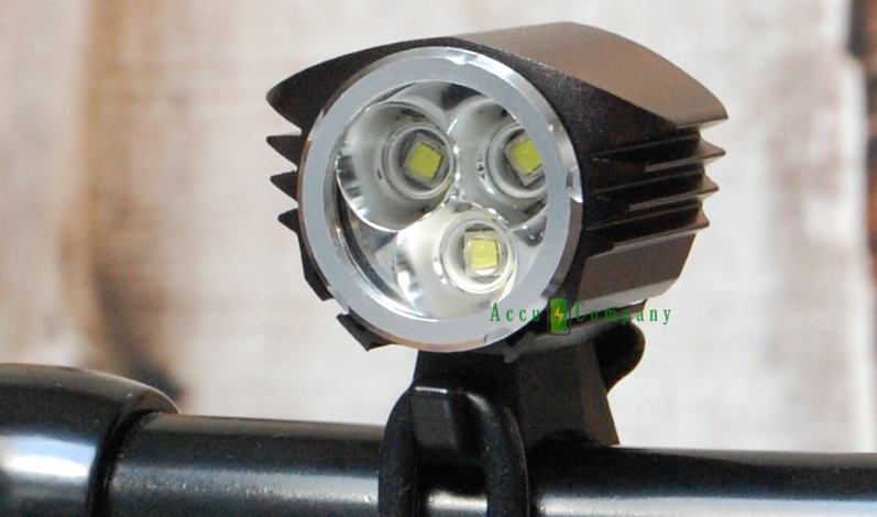 de felle led fietslampen voor wielrenners mtbers leveren enorme hoeveelheid licht uitgedrukt in lumen hoeveel lumen heb je nodig en hoe weet je dan de