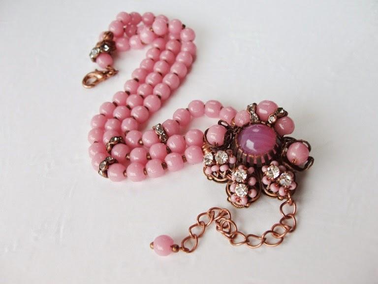 Estonia designer jewelry jewellery mdmButiik Perles anciennes de verre