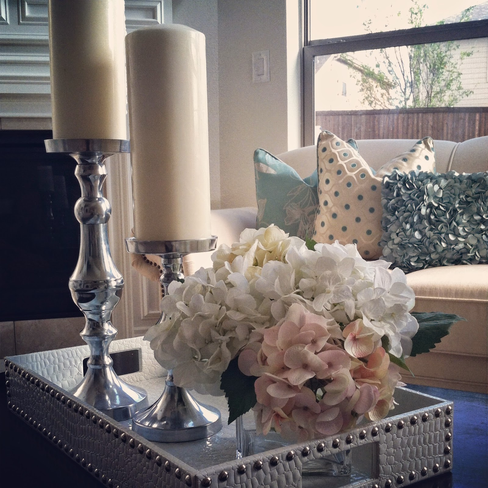 Nissa-Lynn Interiors: The Coffee Table