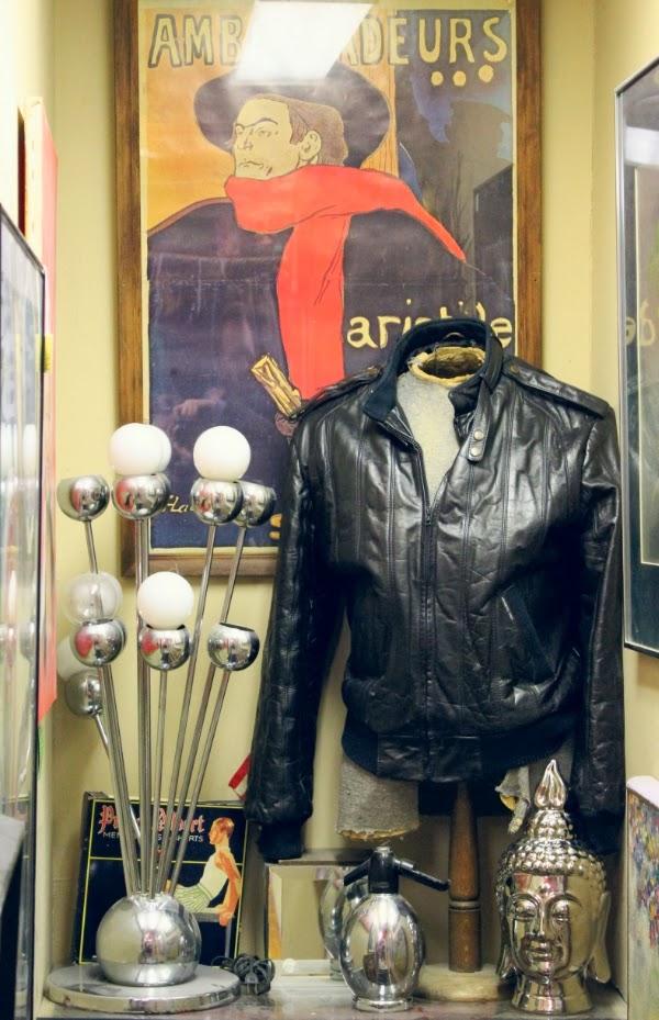 Vintage Shop Display #vintage #decor