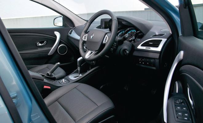 Renault Fluence ZE front interior