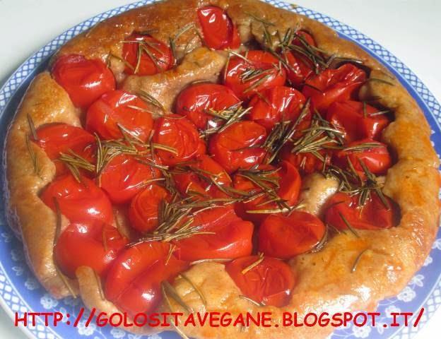farina di farro integrale, farina integrale, focaccia, indice glicemico, Pane Pizza e..., pomodori, pomodori piccadilly, ricette vegan, rosmarino, tarte tatin,