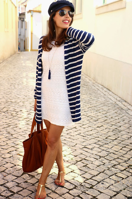 http://4.bp.blogspot.com/-a40JArdq6Ag/U_RjYP-8QNI/AAAAAAAAzUE/K9JTHO9Eido/s1600/Lacedress_stripesknitcardigan_goldsandals_captainhat_tasselnecklace_shoppingbag_streetstyle_navystyle%2B(36).jpg