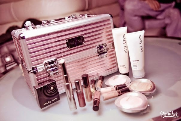 mary kay cosmetics case Case 4-8 mary kay in india china accounts for the largest sales revenue outside the united mary kay ash founded mary kay cosmetics in 1963 with her life.
