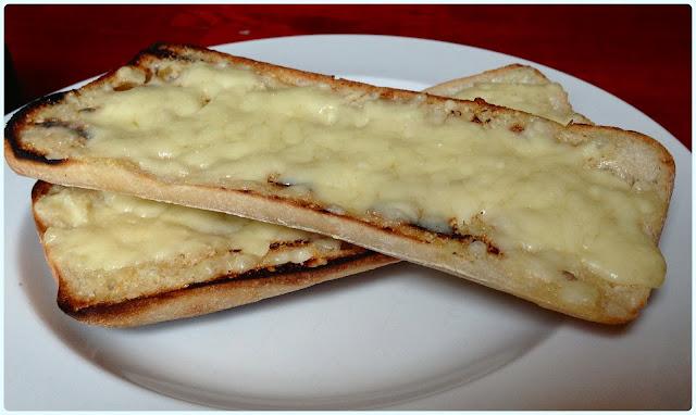 The Farmer's Arms, Bolton - Garlic bread with cheese