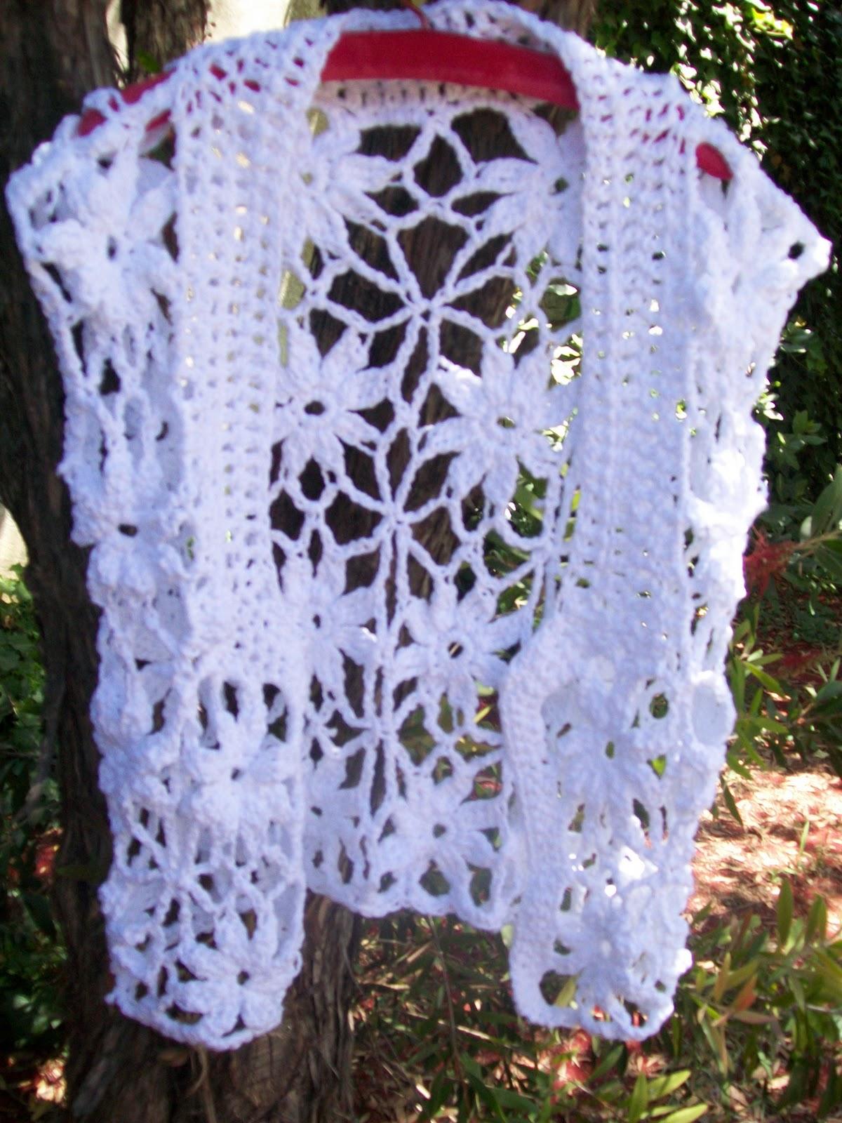 Chaleco tejido con flores