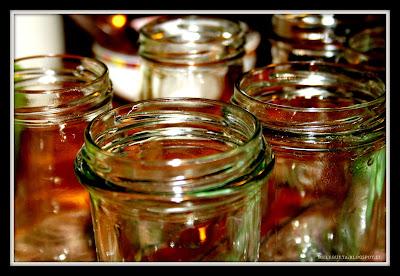 barattoli di vetro appena sterilizzati