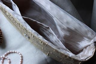 холщевая сумка, сумка из льна, простая сумка, сумки своими руками, текстильные сумки, сумки ручной работы, хендмейд,косметичка своими руками, купить косметичку, подарок девушке женщине, косметичка, сумочка косметичка, косметичка с аппликацией, кружево, косметичка на молнии, косметичка с цветком, цветок из натуральной кожи, красивая косметичка, настроение своими руками, клатч, косметика, сумка для косметики
