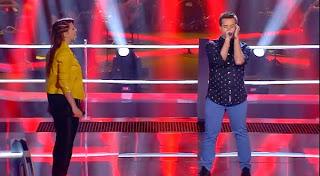 Juanmi cantan One of Us de Joan Osborne-La Voz 2015. Batallas Gala 3