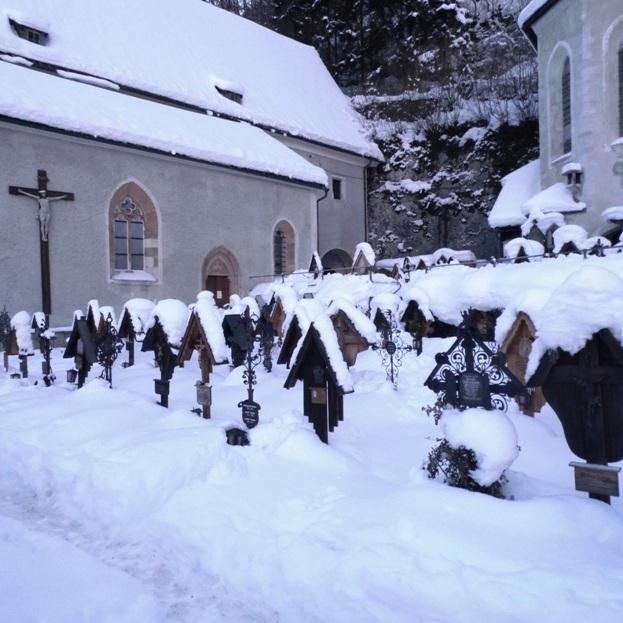 Maria am Berg Katolik kilisesi mezarlığı
