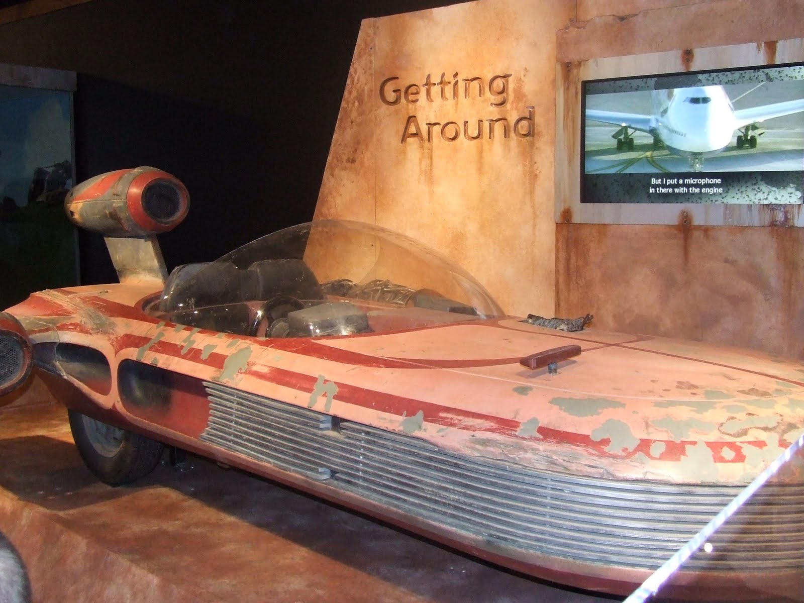 http://4.bp.blogspot.com/-a4h9ZcdH5_8/TgFfZpj3S1I/AAAAAAAABHM/OiuzBiouKmU/s1600/Star+Wars+Exhibit+004.JPG
