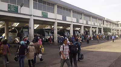 Puncak Arus Mudik Terminal Purabaya Bungurasi Pada H-1 Lebaran.