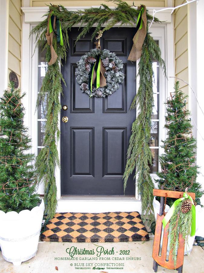how to hang garland around front doorChristmas Garland Around Front Door  Round Designs