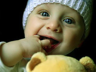 Beautiful Baby Wallpapers 2012