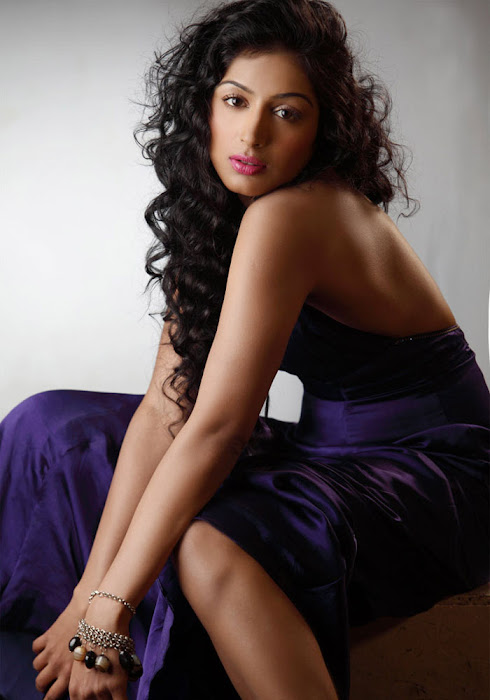 padmapriya new hot photoshoot