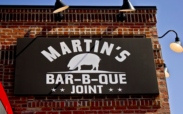 http://www.americangourmand.com/2012/03/20/martins-bar-b-que-joint-nolensville-tennessee/