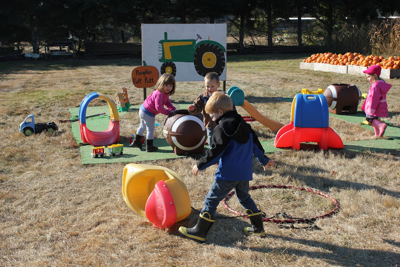 The Sasser Family Jackson 39 S Montessori School Field Trip To Scholtz Farm