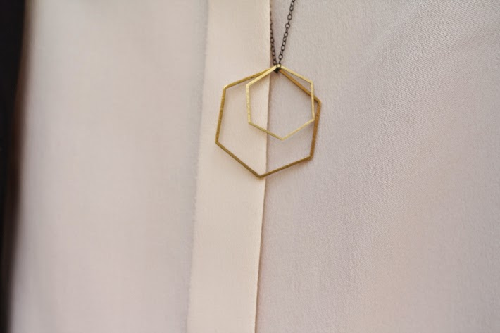 hexagon necklace lobogato