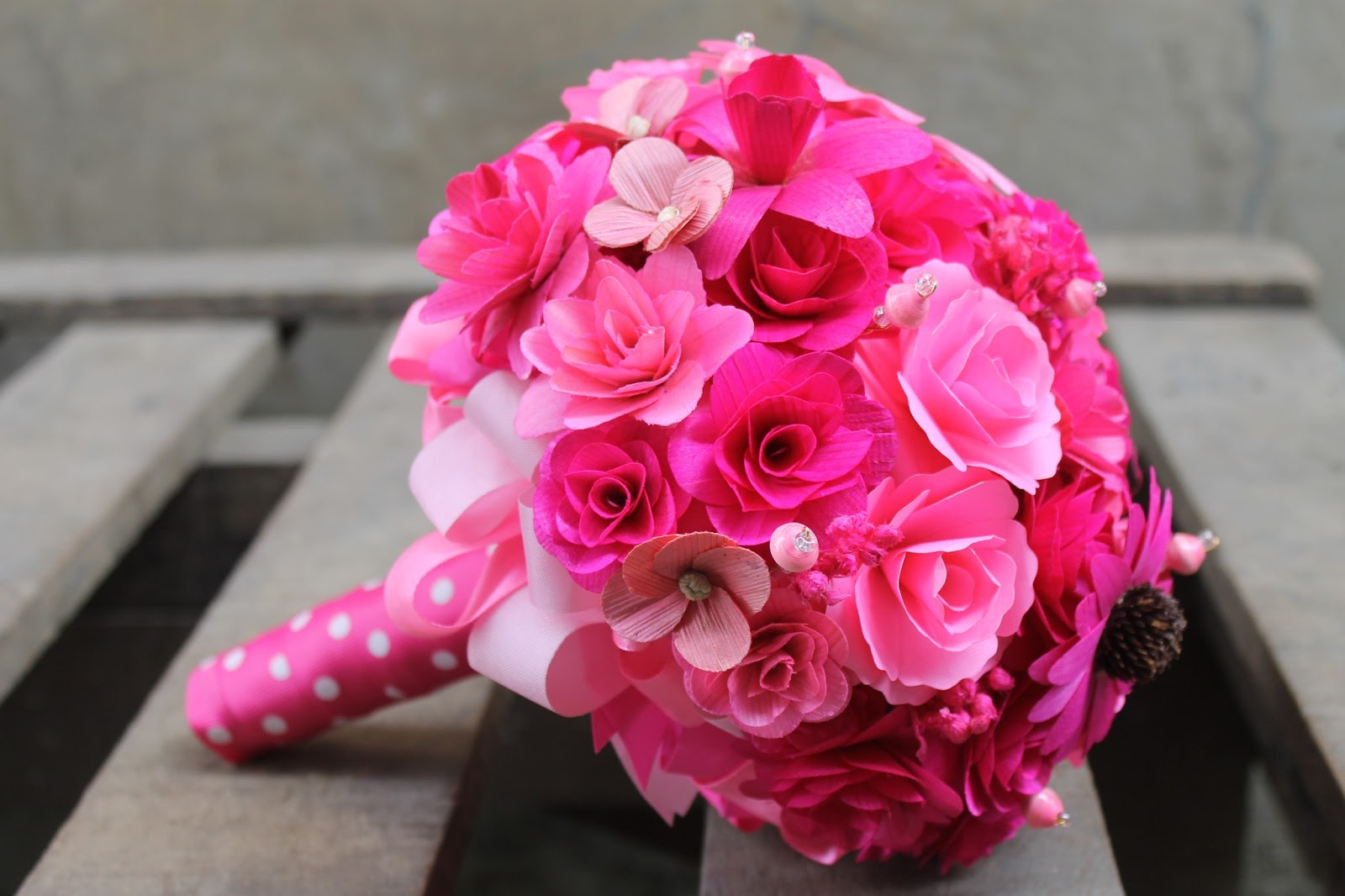 Pink Wedding: Pink Bride Bouquet Made of Wood, Corn Husk and Paper ...