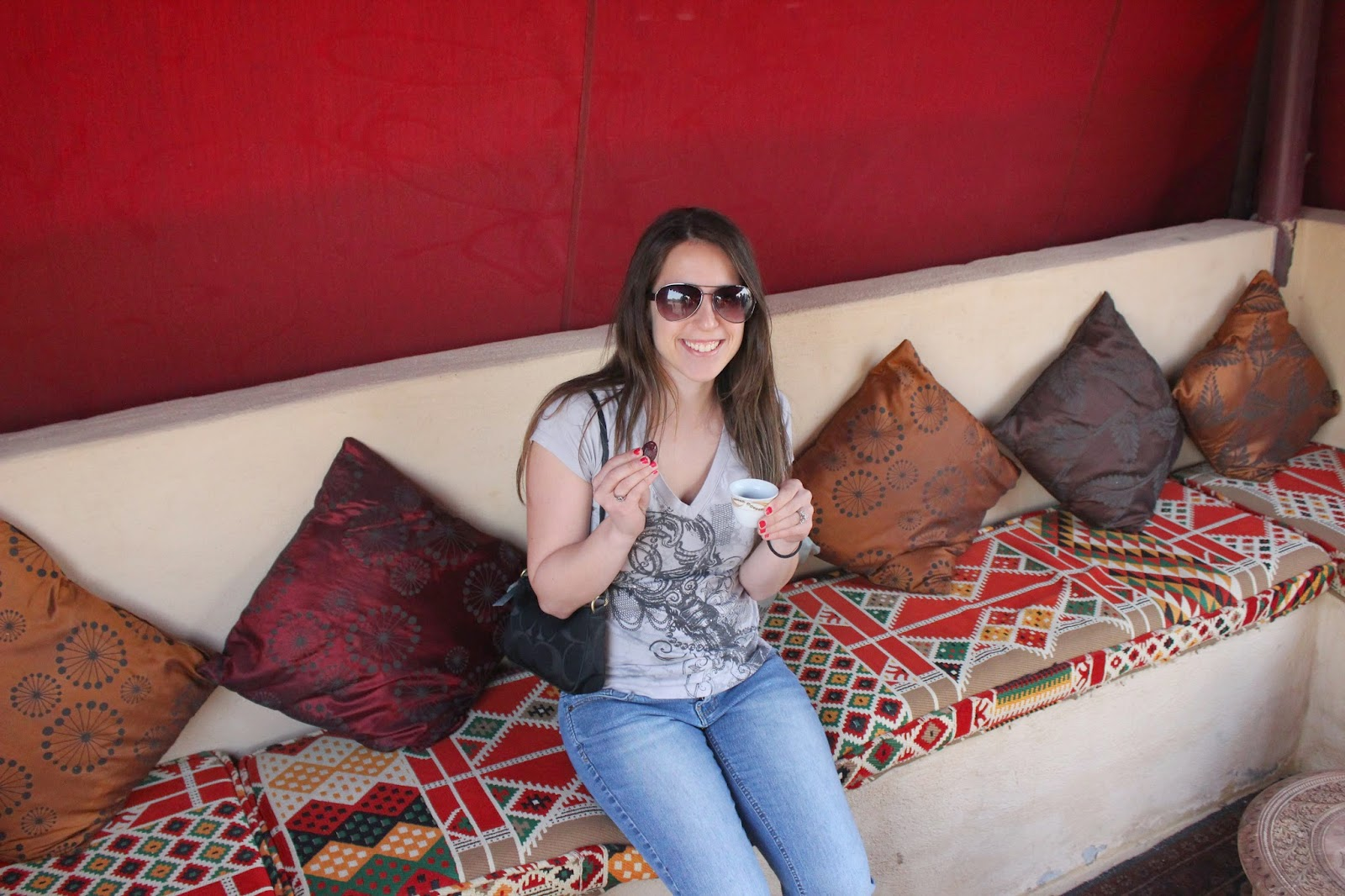 Desert Safari Arabic tea and date