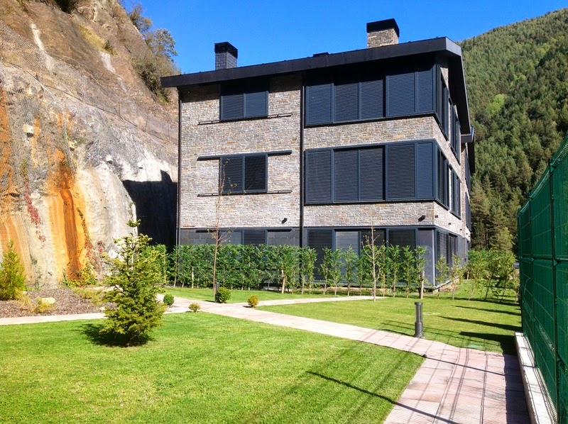 Luxury 4 bedroom apartments to buy in andorra for 4 bedroom luxury apartments