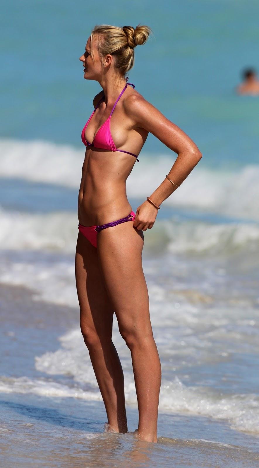 Filthy Anarchists Phlog: Miley Cyrus poolside bikini creeps