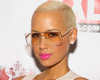 Amber Rose with Glasses HD Wallpaper