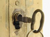 Old-key-door-lock.jpg