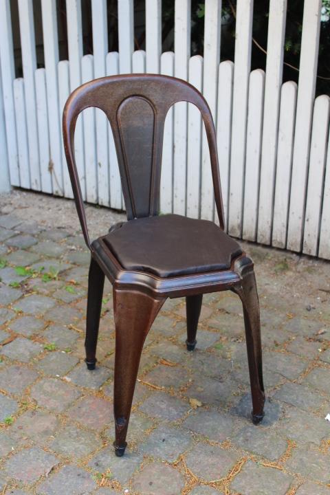 gamle tolix stole med sder betrukket med lder