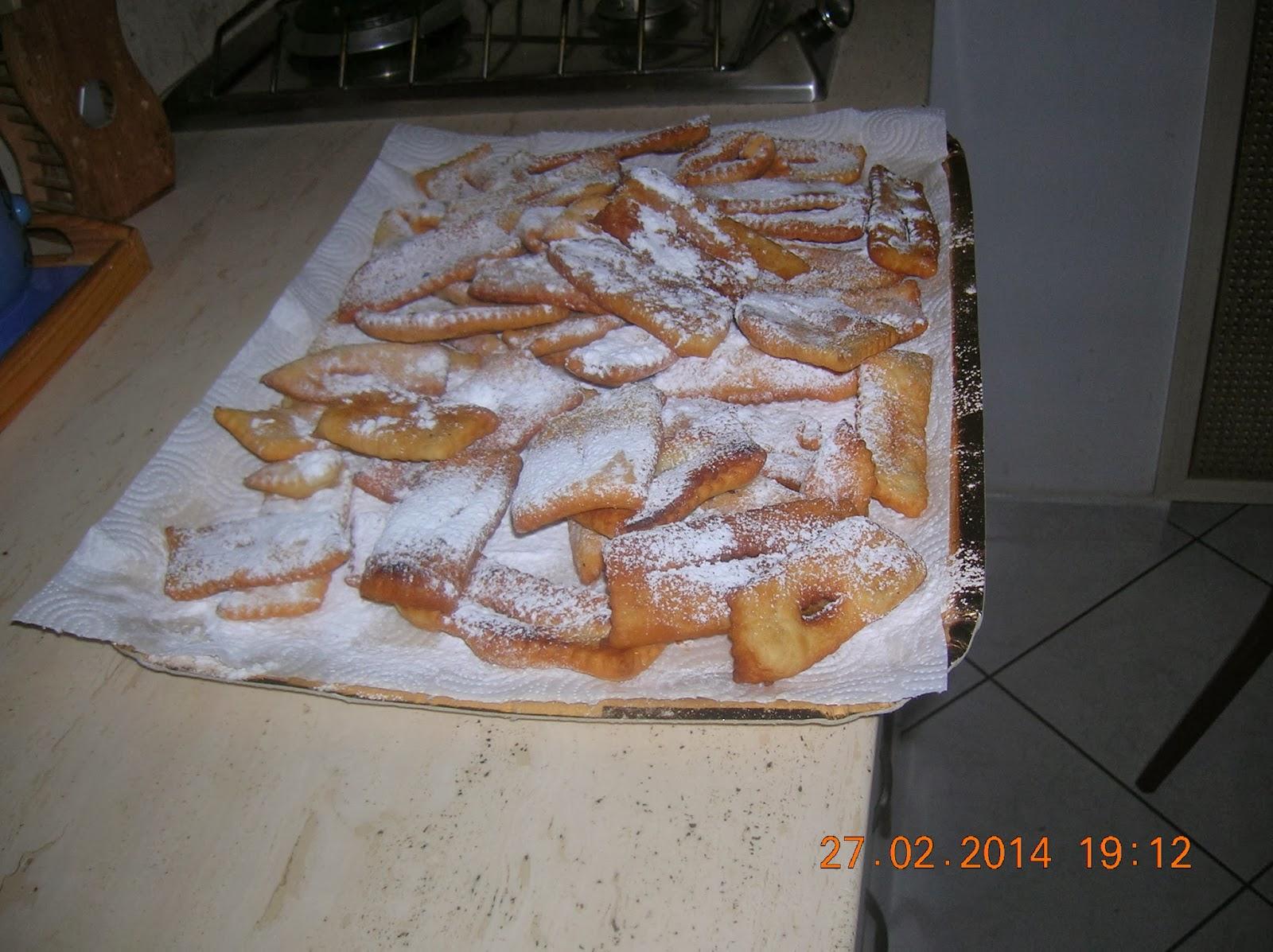 e' carnevale....  ecco le chiacchere di marylen  :-)