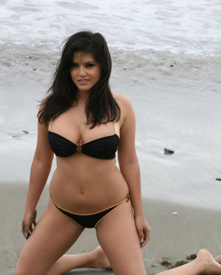 Sunny Leone's Hot Beach Photo.