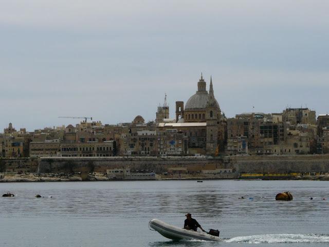 Widok ze Sliemy na Vallettę - Malta