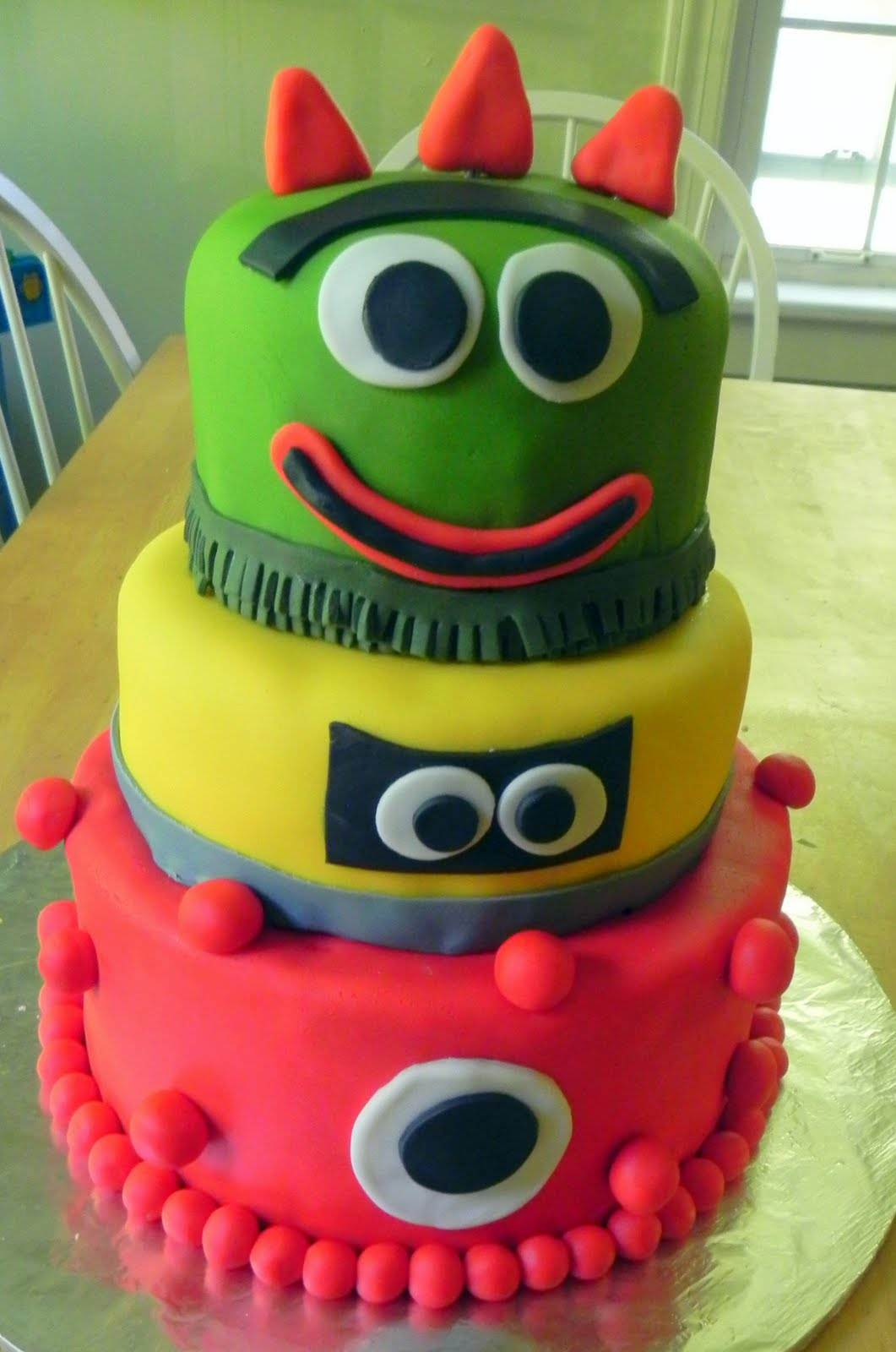 Yo Gabba Gabba Birthday Cake - Momma D and Da Boyz