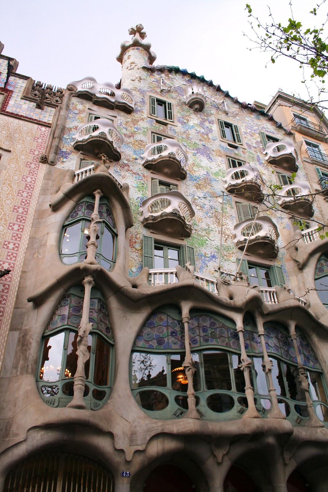 the book of kels barcelona catalunya u0026 cool buildings