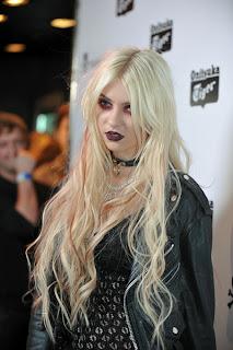 Taylor Momsen Long Hairstyles