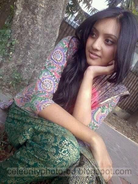 Hot%2BBangladeshi%2BDhaka%2BCity%2BGirls%2BHot%2BPhotos%2BCollection%2B2014003