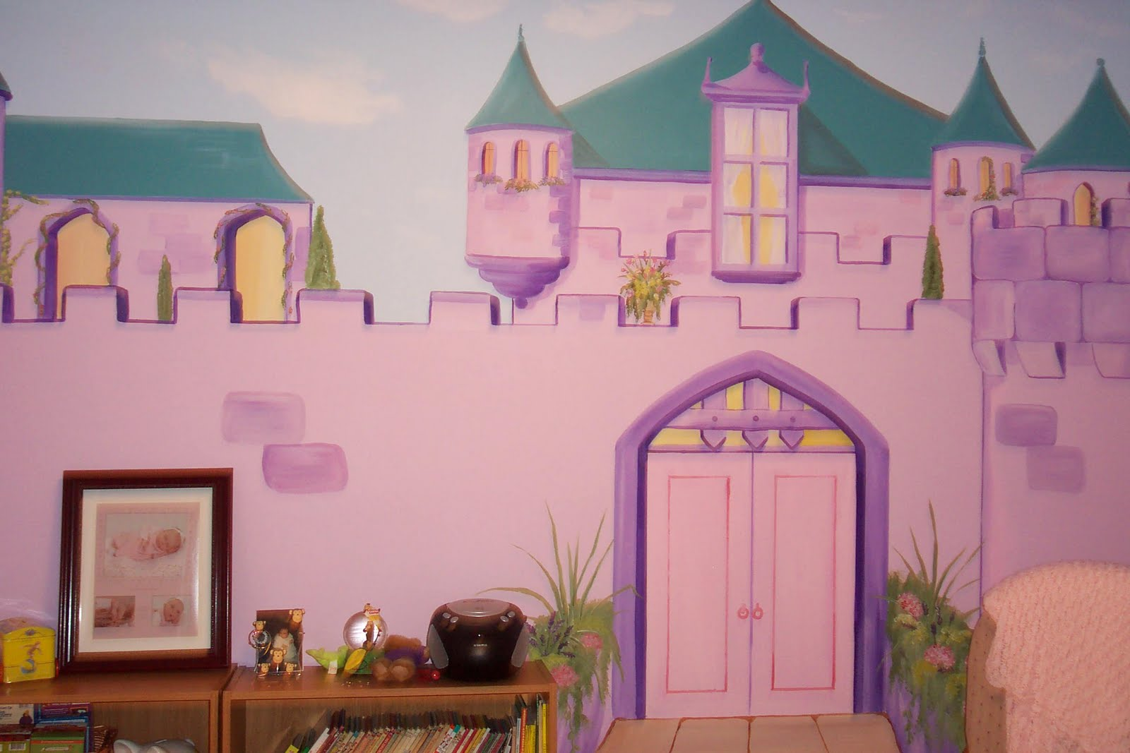 Bedroom furniture for girls castle - This Pink And Purple Castle Will Last This Little Girl Many Hours Of