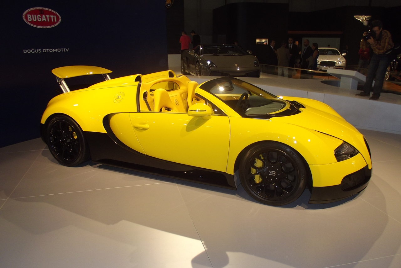 bugatti veyron 16 4 grand sport stanbul autoshow da turkeycarblog. Black Bedroom Furniture Sets. Home Design Ideas