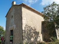 Façana de llevant amb la capella adossada