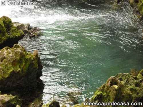 Aguas verdosas del río Tioyacu (Rioja, Altomayo, Perú) 3